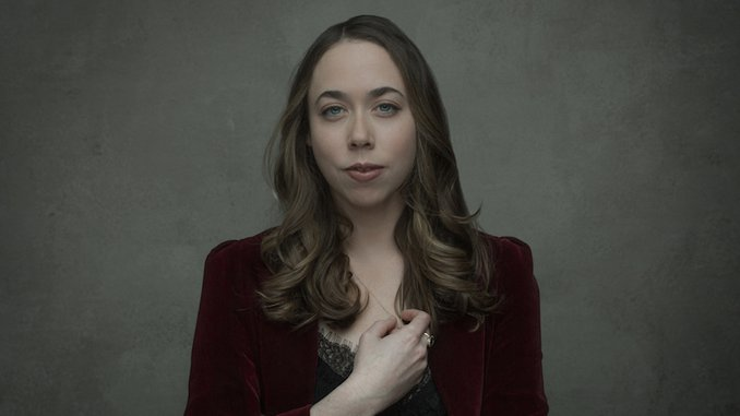"Sarah Jarosz Shares Moving New Song ""Orange and Blue"""