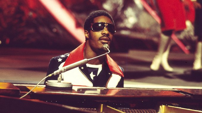 "Happy Birthday, Stevie Wonder! Hear the Legendary Musician Perform ""Superstition"" at Madison Square Garden in 1972"