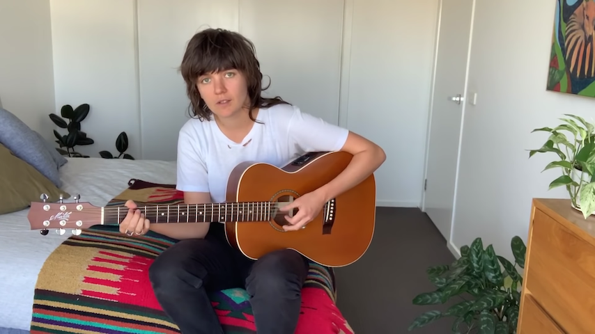 "Watch Courtney Barnett Play Acoustic Version of ""Sunday Roast"" on <i>The Tonight Show</i>"