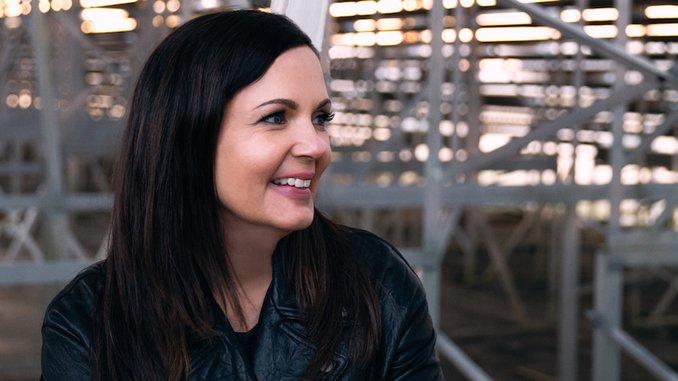 The 10 Best Lori McKenna Songs