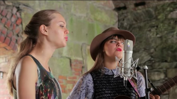 """Watch First Aid Kit Play """"Emmylou"""" & More Live on This Day in 2012"""