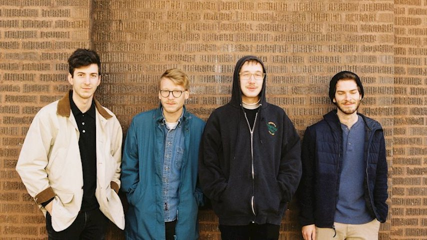 """Exclusive: Chicago Art Rockers The Knees Share New Single """"Itch"""""""