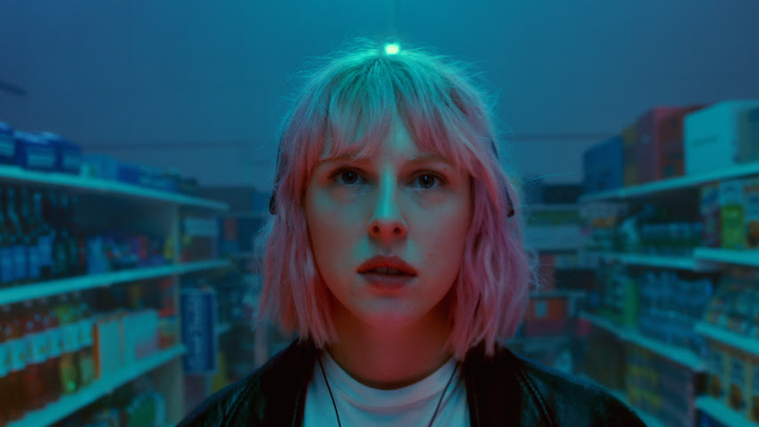 """Fenne Lily Shares Video for New Single """"Solipsism"""""""
