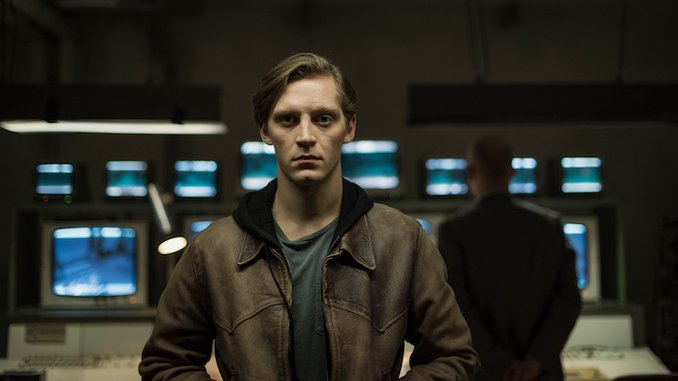 <i>Deutschland 89</i> Exclusive First Trailer: Martin Must Choose a Side as the Berlin Wall Crumbles