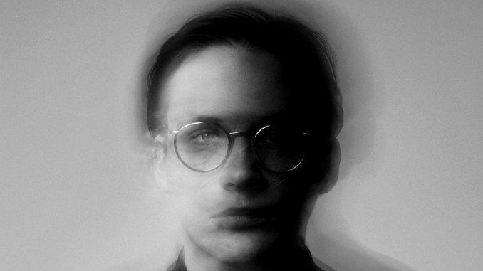 "Exclusive: Icelandic Composer Gabríel Ólafs Shares Kelly Moran Reworking of ""Think of Home"""