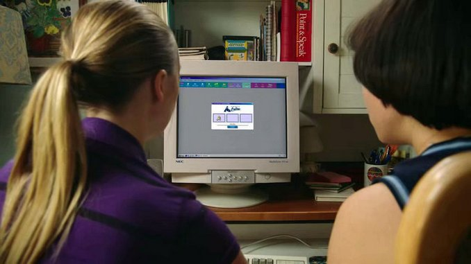 What <i>PEN15</I> Gets Right About the Wild West of Early 2000s Chatroom Culture
