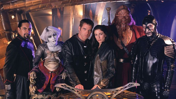 TV Rewind: Why <i>Farscape</i> Is the Genre Revival We Deserve Right Now