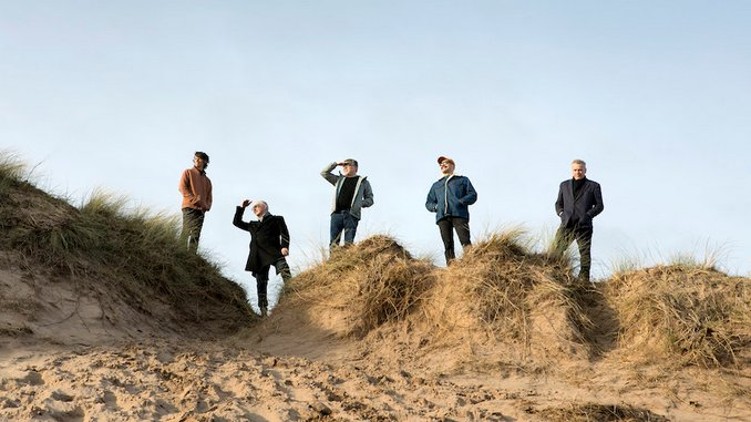 "Teenage Fanclub Announce New Album <i>Endless Arcade</i>, Share Lead Single ""Home"""