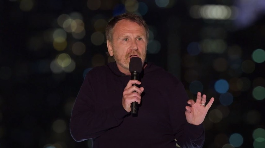 Colin Quinn and Friends Try to Do Stand-up Safely During the Pandemic, to Mixed Results