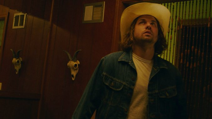 """Kevin Morby Shares Video for """"Don't Underestimate Midwest American Sun"""""""