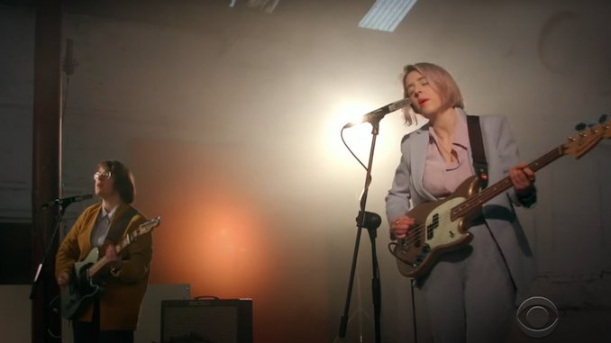 Irish Rockers Pillow Queens Make U.S. TV Debut on <i>The Late Late Show</i>