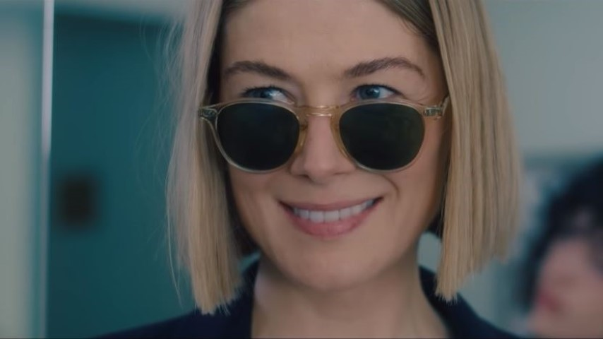 Rosamund Pike Is a Grinning Psycho in Trailer for Netflix's <i>I Care a Lot</i>