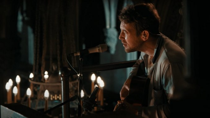 "Watch Fleet Foxes' ""I'm Not My Season"" Live Video"