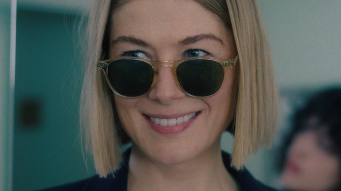 <i>I Care A Lot</i>'s Slick, Nasty Thrills Are Another Spotlight for Rosamund Pike