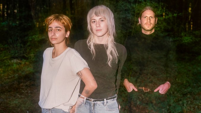 Exclusive: Sour Widows Announce <i>Crossing Over</i> EP, Share Title Track