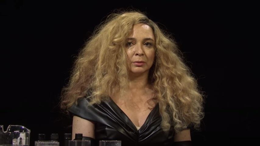 Watch Maya Rudolph's Beyoncé Struggle Through <i>Hot Ones</i> on <i>Saturday Night Live</i>