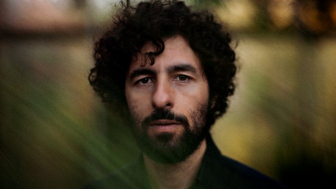 """José González Announces First Album in 5 Years, Shares New Single """"Visions"""""""