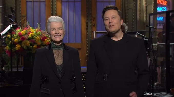 Elon Musk's <i>Saturday Night Live</i> Episode Brought Out the Show's Worst Habits