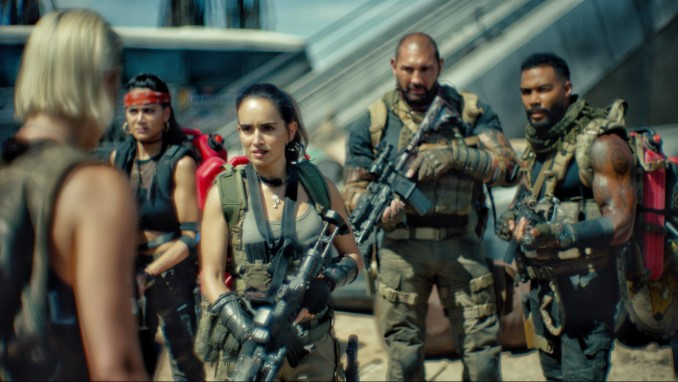 Zack Snyder's Ugly Visual Experimentation Blurs Overlong, Gory <i>Army of the Dead</i>