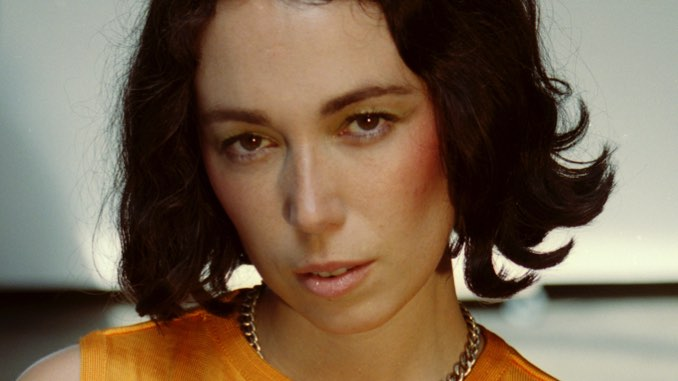 Kelly Lee Owens Announces U.S. Tour Supporting <i>Inner Song</i>