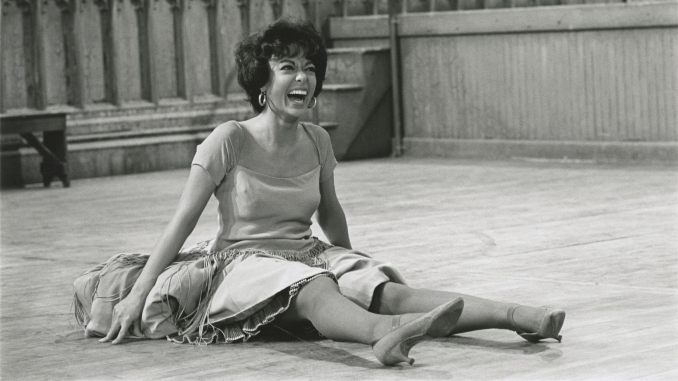 <i>Rita Moreno: Just a Girl Who Decided to Go for It</i> Explores an Icon's Life
