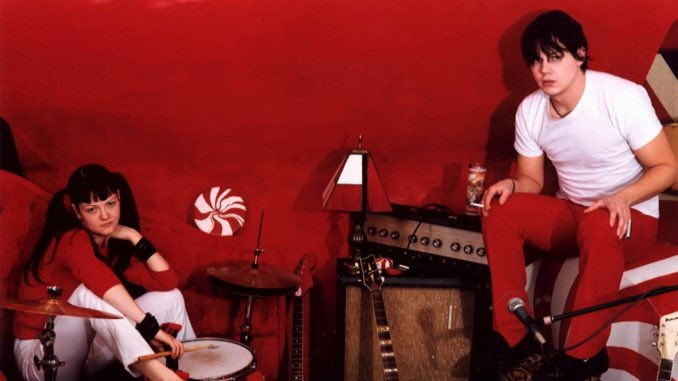 """Watch The White Stripes Play """"Fell in Love with a Girl"""" on <i>Top of the Pops</i> Circa 2002"""