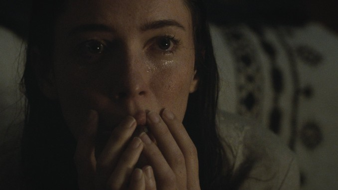 Rebecca Hall&#8217;s Capacity for Grief Saves <i>The Night House</i>, But You Still Get Lost in It