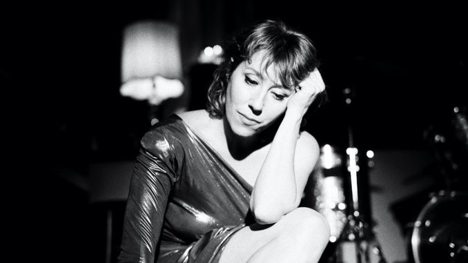"""Martha Wainwright Finds """"the Strength to Survive"""" on <i>Love Will Be Reborn</i>"""