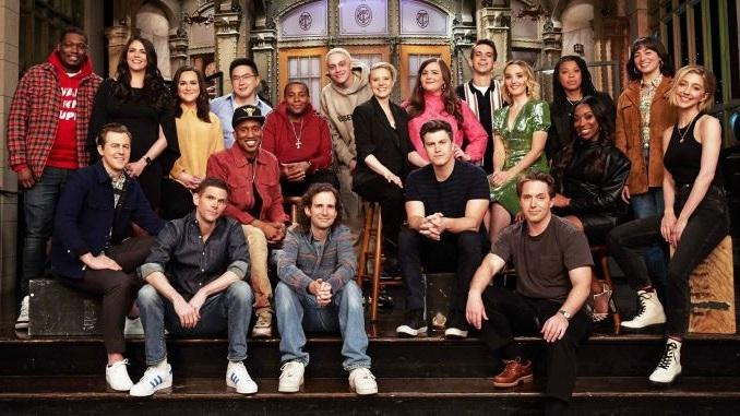 Why Doesn't Anybody Leave <i>Saturday Night Live</i> Anymore?