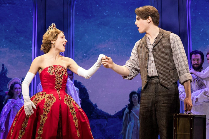 <i>Anastasia</i>: 6 Differences Between the Movie and the Broadway Musical