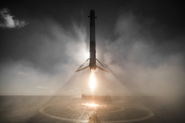 3. spacex first stage.jpg