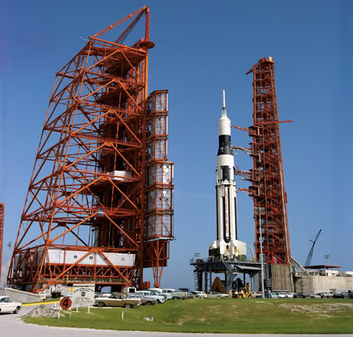 which apollo spacecraft burned on the launch pad - photo #39