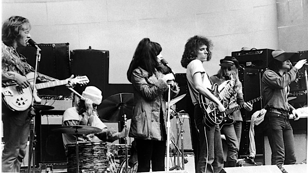 "Listen to Jefferson Airplane Play ""Somebody to Love"" in 1970, Then Jefferson Starship Play It a Decade Later"