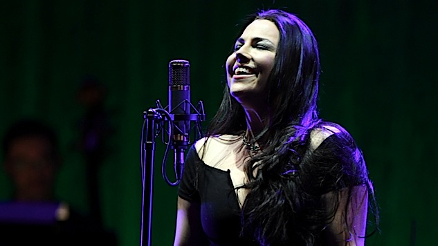 "Watch Evanescence's Amy Lee Chat With Paste About <i>Synthesis</i>, Perform a Solo ""Good Enough"""