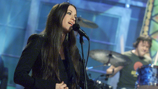 Hear Alanis Morissette Perform the Best of <i>Jagged Little Pill</i>, Released Today in 1995
