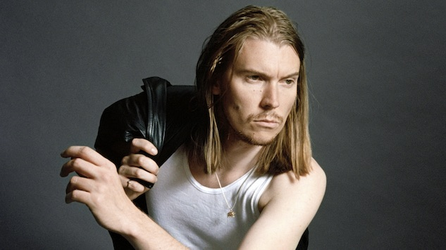"Alex Cameron Unveils NSFW ""Studmuffin96"" Video, Extends North American Tour"