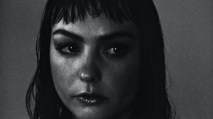 Angel Olsen Announces New Album <i>Whole New Mess</i>, Unveils Title Track