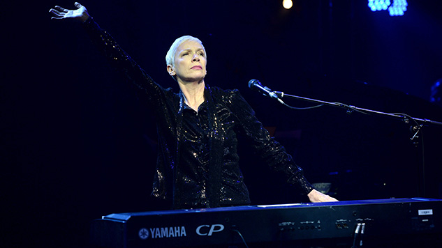 Annie Lennox Re-releasing <i>Diva</i> and <i>Medusa</i> on Vinyl, Holding Concert for Charity