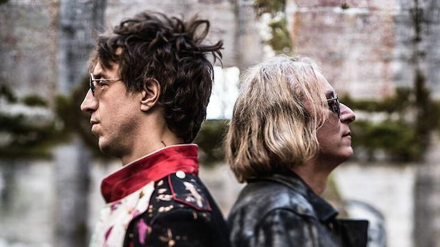 "Joseph Arthur and R.E.M.'s Peter Buck Share ""Are You Electrified?"" Video"