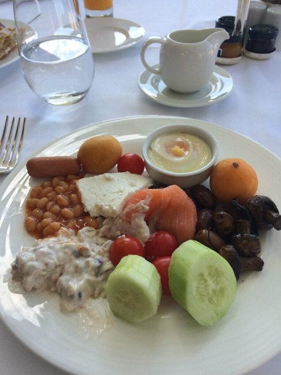 Athens_5_grand_bretagne_breakfast.jpg