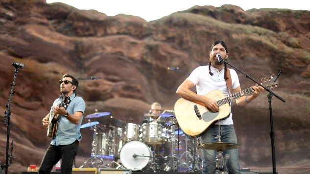 "The Avett Brothers Release New Single, ""Roses and Sacrifice"""