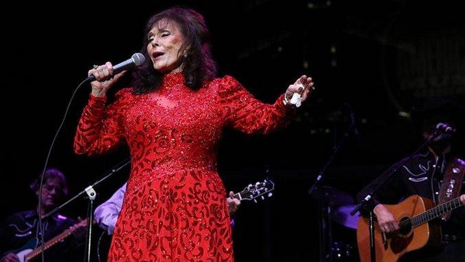 The 10 Best Loretta Lynn Songs