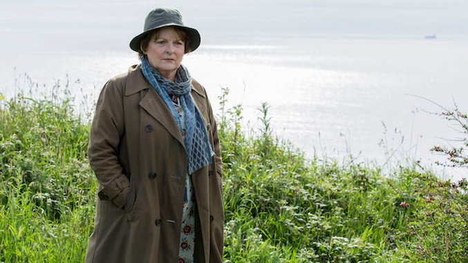 "<i>Vera</i>'s Brenda Blethyn on Her <i>Game of Thrones</i> Addiction and Her Character's ""Command of All These Men"""