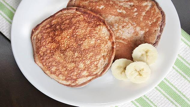 10 Fitness Trainers Share Their Favorite Breakfasts