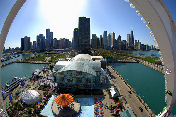 Chicago_Skyline_Navy_Pier_Ferris_WheelMichael.jpg