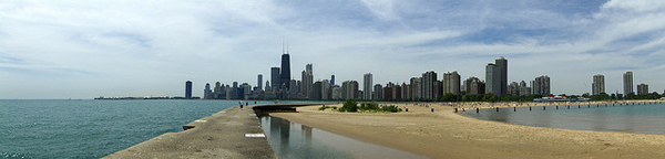 Chicago_Skyline_North_Avenue_Beach_Vlxa.jpg