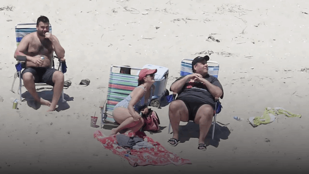 The Funniest Tweets about Chris Christie's Beach Day
