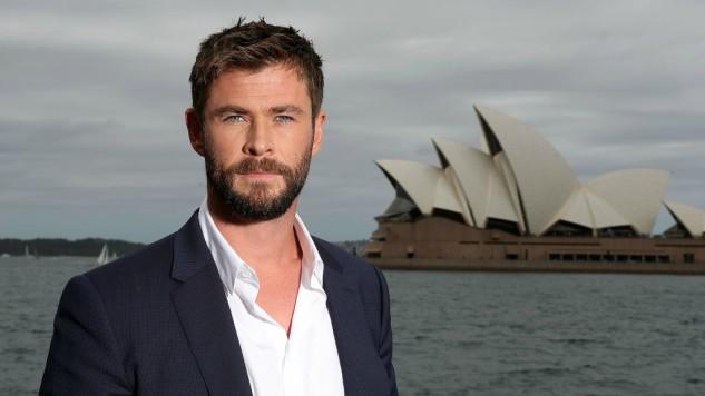 Chris Hemsworth in Talks to Star in <i>Men in Black</i> Spinoff