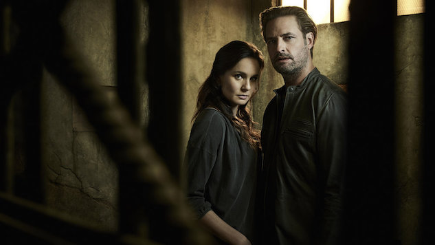 How <i>Colony</i>'s Josh Holloway and Sarah Wayne Callies Handle Sci-Fi's Most Compelling Marriage