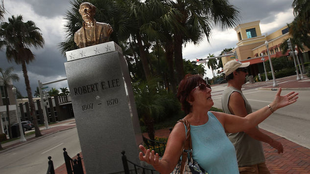 Ohio Town Honors Its Non-Existent Confederate History, Reinstalls Robert E. Lee Statue